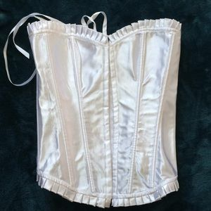 🍀 NEW lace up corset! 💕
